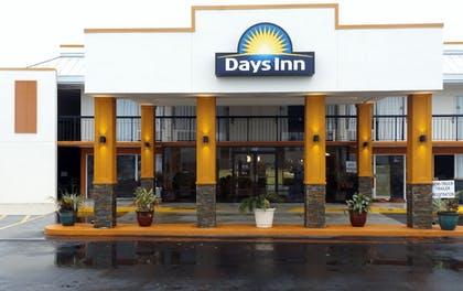 Pet-Friendly | Days Inn by Wyndham Wildwood I-75