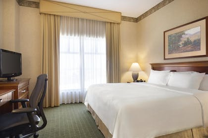 | 1 King Bed Standard Suite | Embassy Suites by Hilton Lincoln