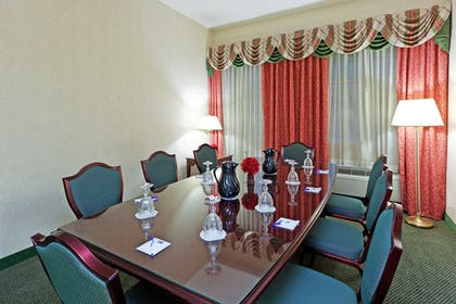 Meeting Facility | Holiday Inn Express State College at Williamsburg Square