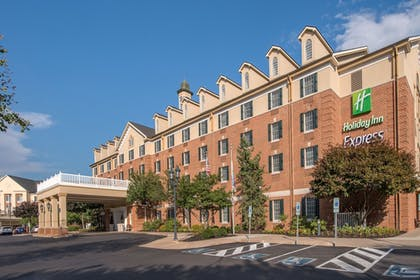Featured Image | Holiday Inn Express State College at Williamsburg Square