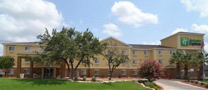 Hotel Front | Holiday Inn Express Hotel & Suites San Antonio-Airport North