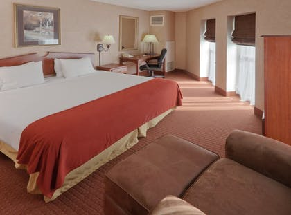 Room   Holiday Inn Express Hotel & Suites Deadwood-Gold Dust Casino