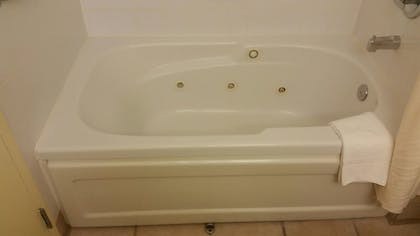 Jetted Tub | Best Western Plus Seattle/Federal Way