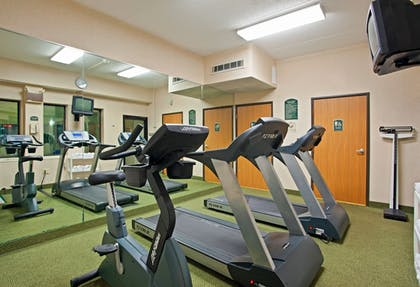 Fitness Facility | Holiday Inn Express Pittsburgh North