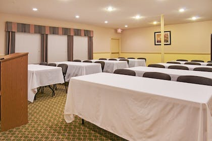 Meeting Facility | Holiday Inn Express Hotel & Suites Livingston