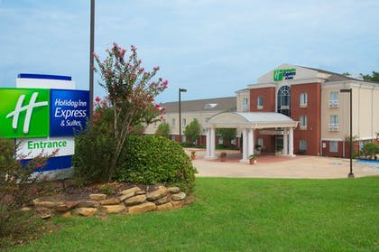 Featured Image | Holiday Inn Express Hotel & Suites Livingston