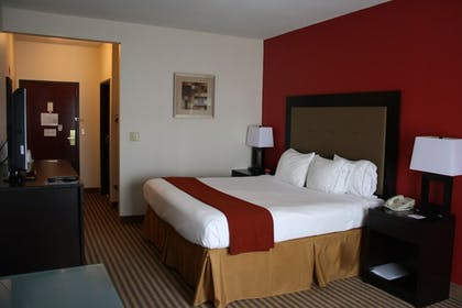 Guestroom | Holiday Inn Express Hotel & Suites Livingston