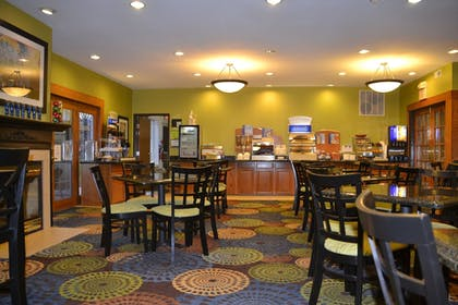 Restaurant | Holiday Inn Express & Suites Bloomington - Normal