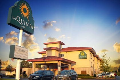 Featured Image | La Quinta Inn & Suites by Wyndham Springfield South
