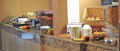 Dining | La Quinta Inn & Suites by Wyndham Springfield South