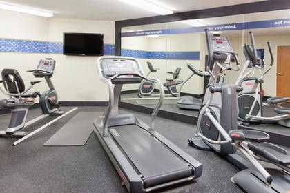 Fitness Facility | Hampton Inn Valdosta/Lake Park Area