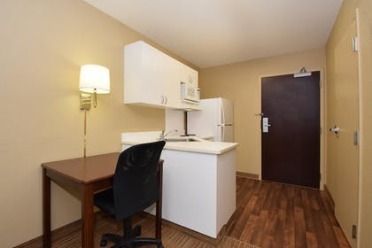 Guestroom | Extended Stay America Chicago - Hillside