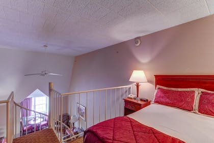 Guestroom | Chateau Resort & Conference Center