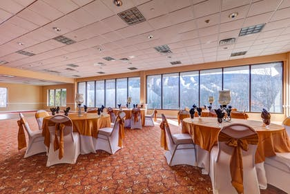 Banquet Hall | Chateau Resort & Conference Center
