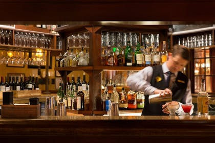 Hotel Bar | The Driskill - in the Unbound Collection by Hyatt