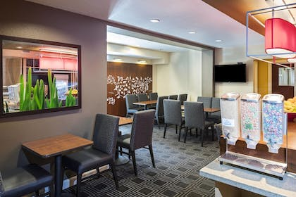 Restaurant | Towneplace Suites By Marriott Kennesaw