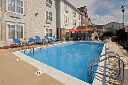 Sports Facility   Towneplace Suites By Marriott Bloomington