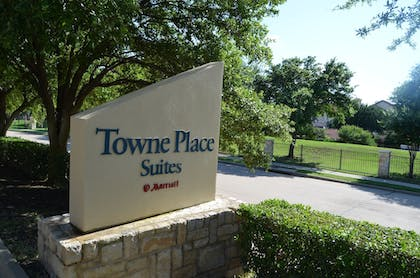 Hotel Front | TownePlace Suites by Marriott Dallas Plano