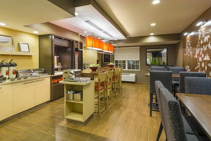 Restaurant | TownePlace Suites By Marriott Mobile