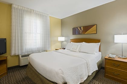 Guestroom | TownePlace Suites By Marriott Mobile