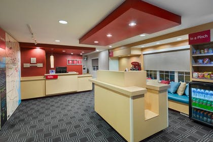 Lobby | TownePlace Suites By Marriott Mobile