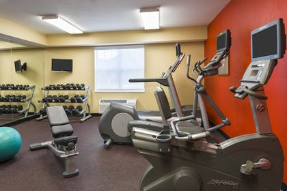 Sports Facility | TownePlace Suites By Marriott Mobile