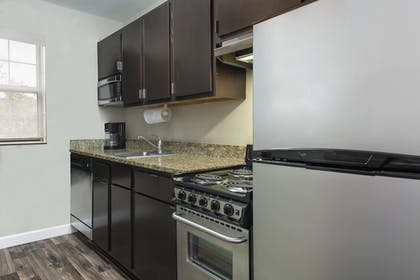 In-Room Kitchen | TownePlace Suites by Marriott Savannah Midtown