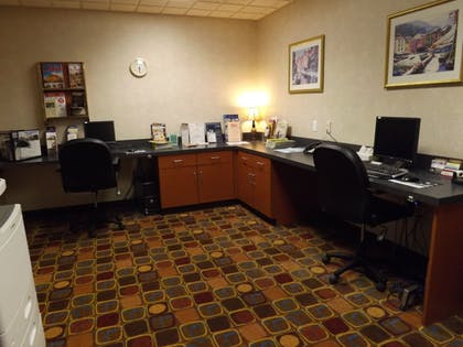 Business Center | Wingate by Wyndham Lima Downtown