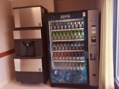 Vending Machine | Wingate by Wyndham Lima Downtown