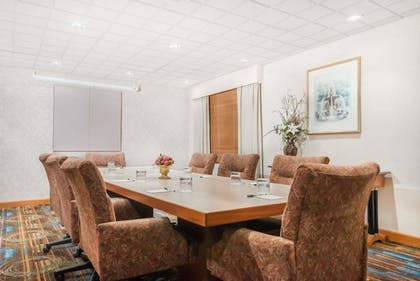 Meeting Facility | Wingate by Wyndham Lima Downtown