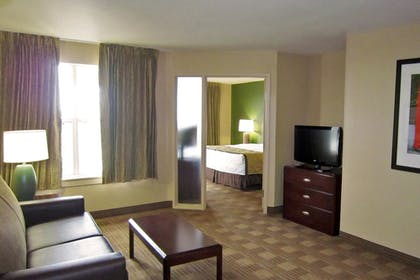 Guestroom | Extended Stay America - Detroit-Auburn Hills-Featherston Rd.