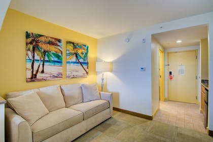 Living Area | Hutchinson Island Plaza Hotel and Suites