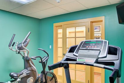 Fitness Facility | Hutchinson Island Plaza Hotel and Suites