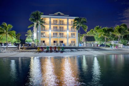 Exterior | Hutchinson Island Plaza Hotel and Suites