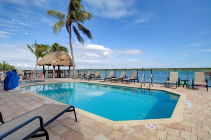 Outdoor Pool | Hutchinson Island Plaza Hotel and Suites
