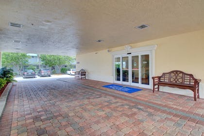 Property Grounds | Hutchinson Island Plaza Hotel and Suites
