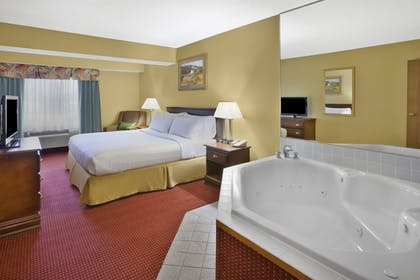 Room | Holiday Inn Express Irwin (PA TPK Exit 67)