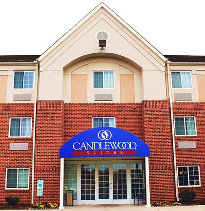 Hotel Entrance | Candlewood Suites Richmond-West