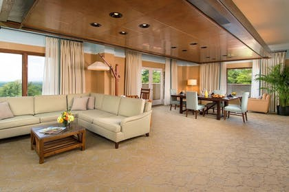 Living Area | The Omni Grove Park Inn