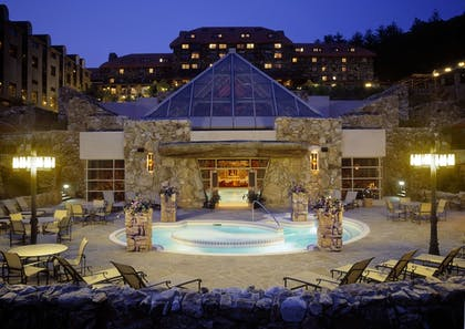 Outdoor Spa Tub | The Omni Grove Park Inn