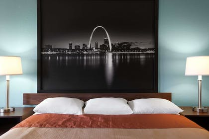 Guestroom | Super 8 by Wyndham Fairview Heights-St. Louis