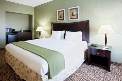 Guestroom | Holiday Inn Express Harrisonburg
