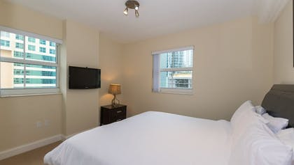 Guestroom | Fortune House Hotel Suites
