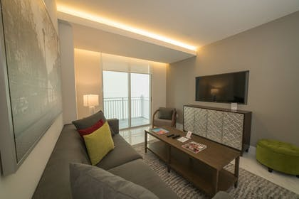 Living Room | Fortune House Hotel Suites
