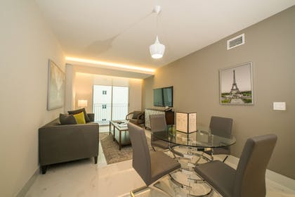 Living Area | Fortune House Hotel Suites
