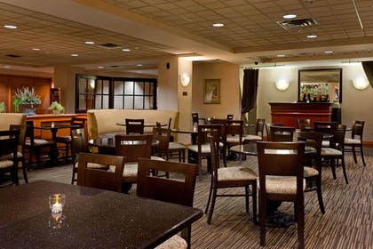 Property Amenity | La Quinta Inn & Suites by Wyndham Garden City