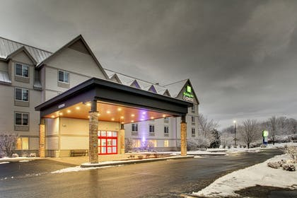 Featured Image | Holiday Inn Express & Suites Lincoln East - White Mountains