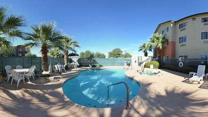 Outdoor Pool | Comfort Inn & Suites North Tucson - Marana