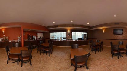 Breakfast Area | Comfort Inn & Suites North Tucson - Marana