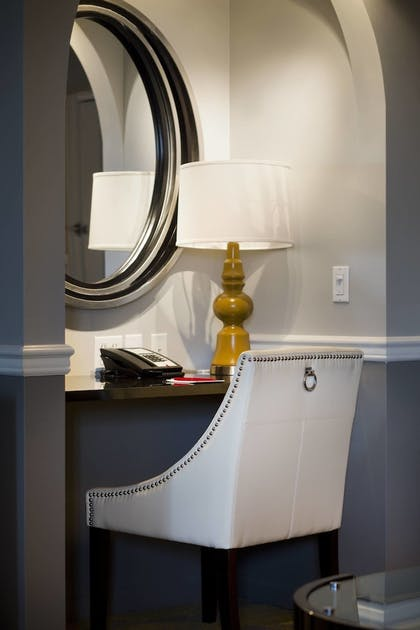 Guestroom | Ambassador Hotel Tulsa, Autograph Collection